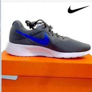 NEW NIB Nike Tanjun Men's Running Shoes Grey Gray